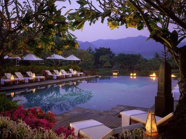 Chiang Mai Luxury Homes. Evening by the pool at Four Seasons